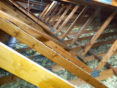 Traitement charpente renovation toiture maison carcassonne - Traitement des bois de charpente ...